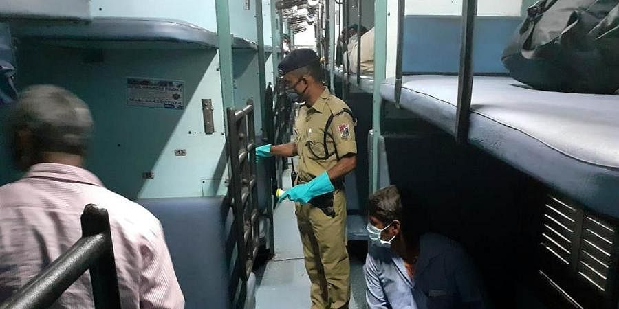 Around 1225 migrants sent back to their native places from Lingampally railway station in Hyderabad on Friday