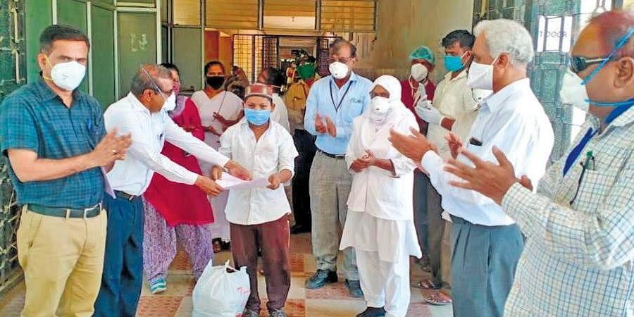 Coronavirus patients get discharged