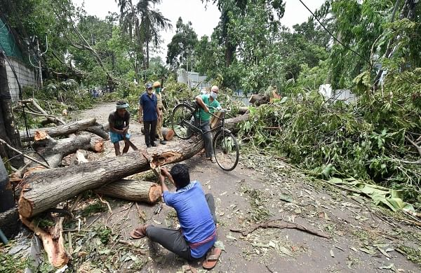 Sporadic protests continue over restoration of power, water supply in cyclone-hit Bengal