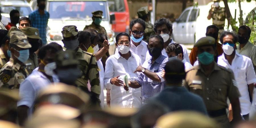 DMK Rajya Sabha MP R.S. Bharathi leaving Egmore Metropolitan Magistrate Court after getting interim bail, in Chennai on Saturday. (Photo/EPS | DEBADATTA MALLICK)