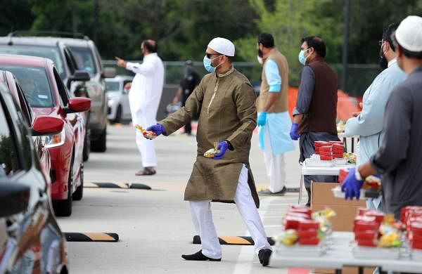 US Muslims try to balance Eid rituals with coronavirus concerns