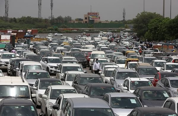 COVID-19 lockdown: Chaos at Delhi-Gurugram border, as Haryana seals it's border with the national capital