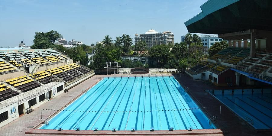 Swimming pool stadium