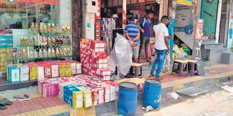 No social distancing circles marked at reopened non essential shops in Srikakulam