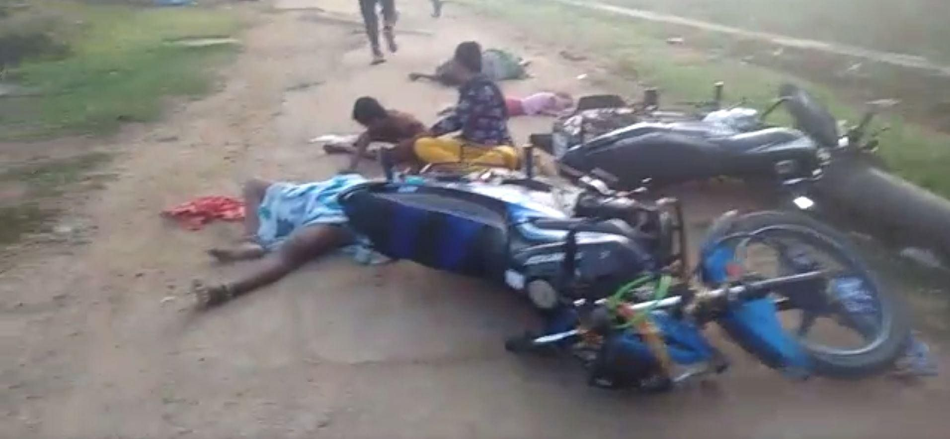 A duo, trying to escape from Venkatapuram area, collapsed and fell from their two-wheeler as toxic gas entered their nervous system due to a gas leak in Visakhapatnam