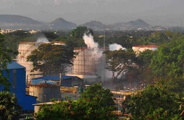 Vizag gas leak: Fire Department reached LG Polymers 16 minutes late, states High-Power Committee findings