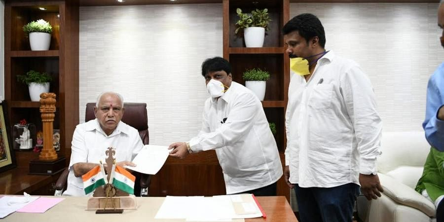 Karnataka Film Chamber of Commerce with CM BS Yeddiyurappa