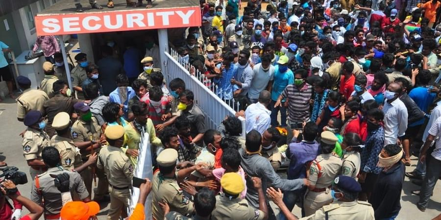 People protesting against LG polymers in Visakhapatnam