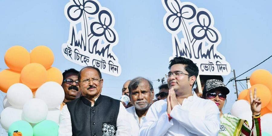 TMC's Subrata Mukherjee with Abhishek Banerjee at a rally in West Bengal. (Photo | Abhishek Banerjee Twitter)