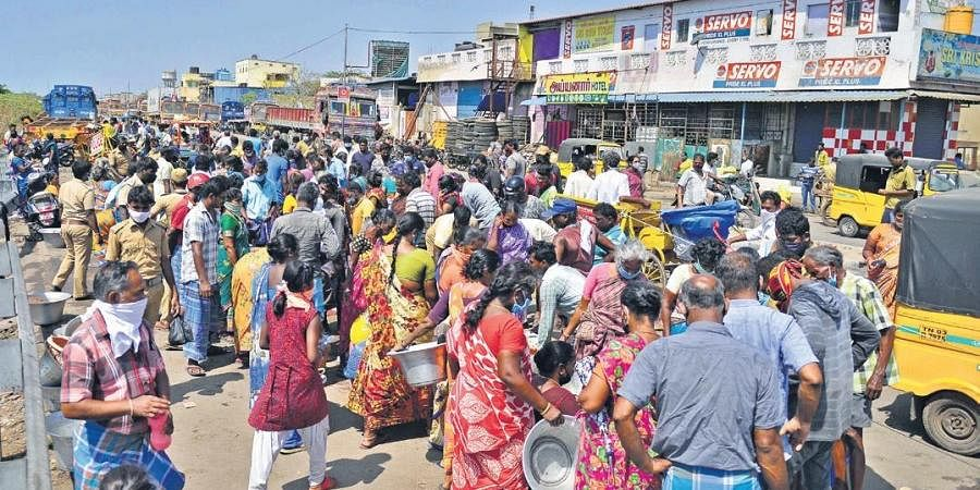 Social distancing norms thrown to the wind at the makeshift fish market in Royapuram