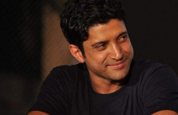 Farhan Akhtar receives first jab of COVID vaccine