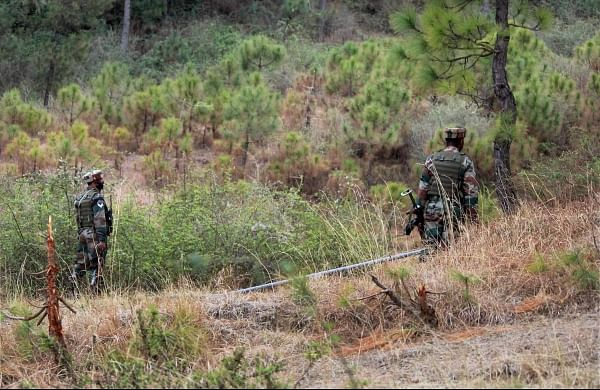Pakistani troops shell civilian settlements in JK's Poonch, woman killed