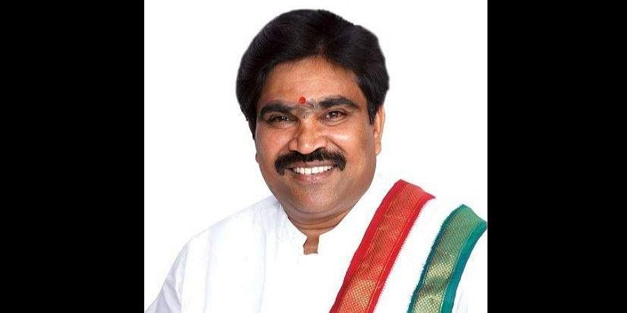 Independent MLA R Shankar is the latest Karnataka lawmaker to resign from the Council of Ministers. (Photo | Facebook)