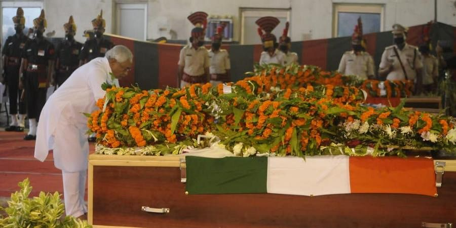 Chief minister Nitish Kumar, after paying floral tributes to the martyrs, expressed heartfelt condolences for their sacrifice.