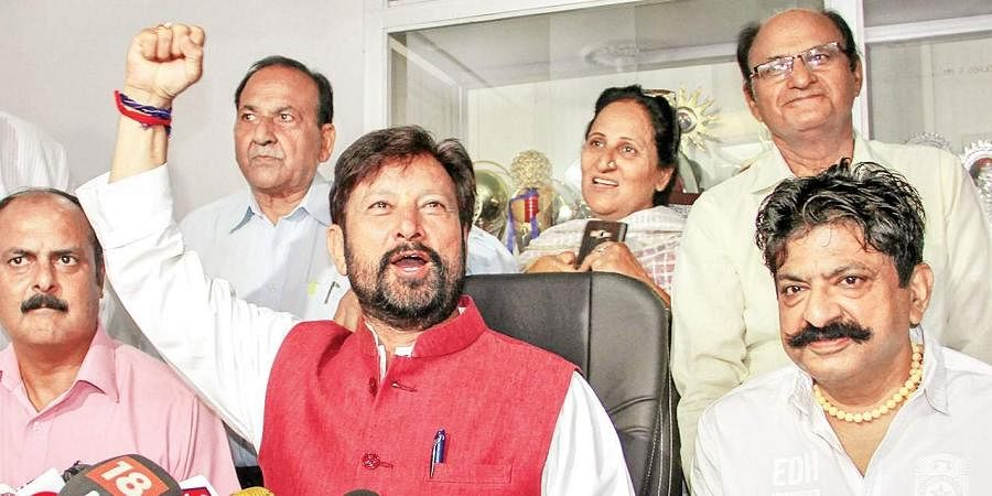 BJP defends MLA Lal Singh who threatened Kashmir scribes