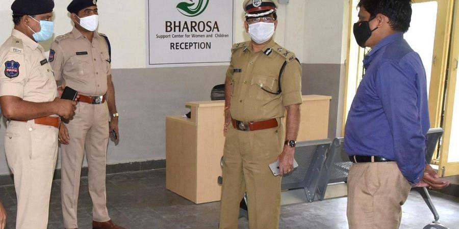 Warangal police commissioner V Ravinder inspected a newly set up Bharosa Support Centre for women and children in Hanamkonda on Wednesday.