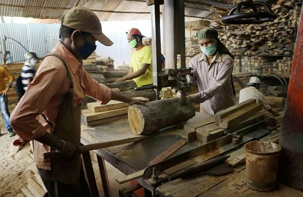 COVID-19: Labour shortage post worker exodus hit industries in Maharashtra