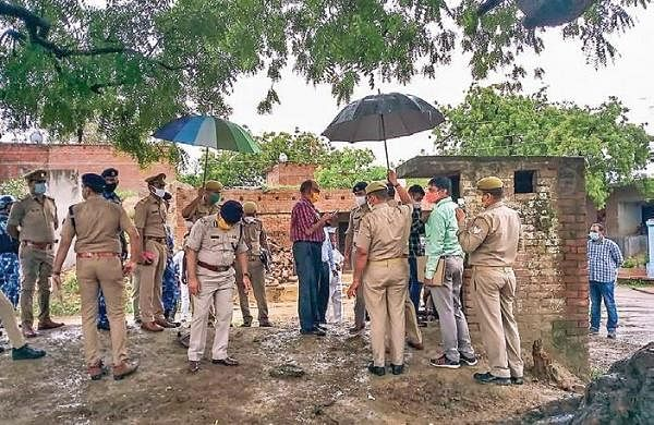 Kanpur encounter: Sharp-edged weapons, guns used to kill 8 policemen, reveals autopsy report