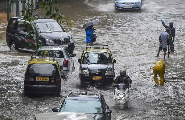 Heavy showers in Mumbai, more rains likely in next 24 hours: IMD