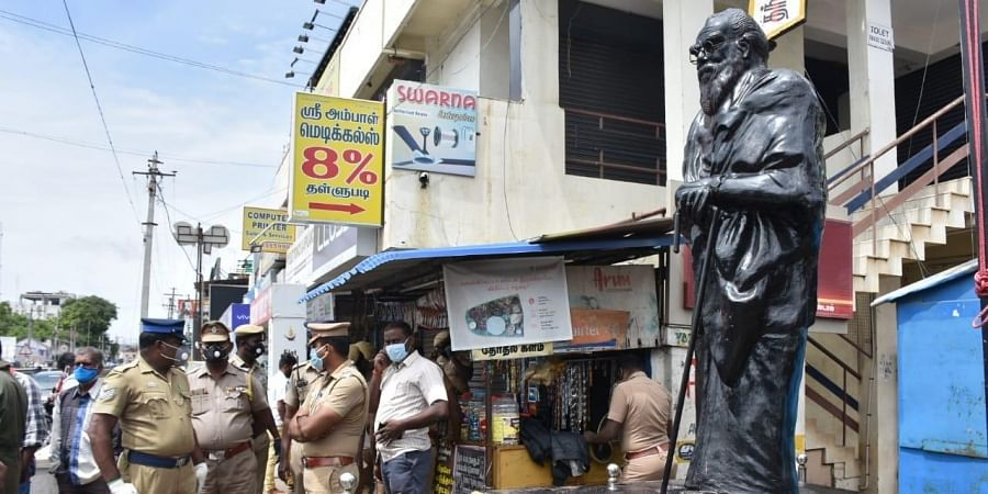 Locals found the statue painted unevenly with saffron colour in the morning. It was later discovered that the miscreants had poured the paint the previous night. (Photo | U Rakesh Kumar, EPS)