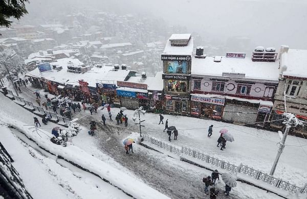 Heavy snowfall in J-K, Uttarakhand, Himachal; avalanche warning in four Kashmir districts