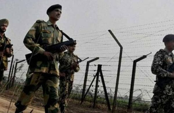 West Bengal:Five Bangladeshis, 12 Indians apprehended by BSF for illegally crossing border