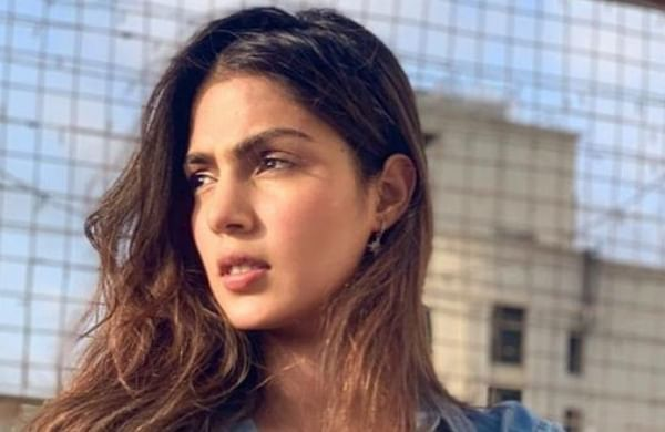 Sushant Singh case: Enforcement Directorate questioning Rhea Chakraborty's CA in Mumbai