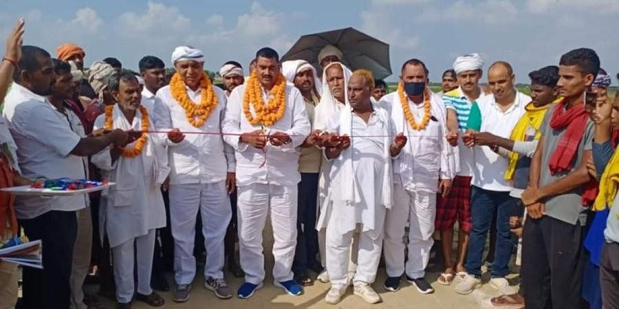 RJD MLA Shambhu Nath Yadav inaugrates the cricket match