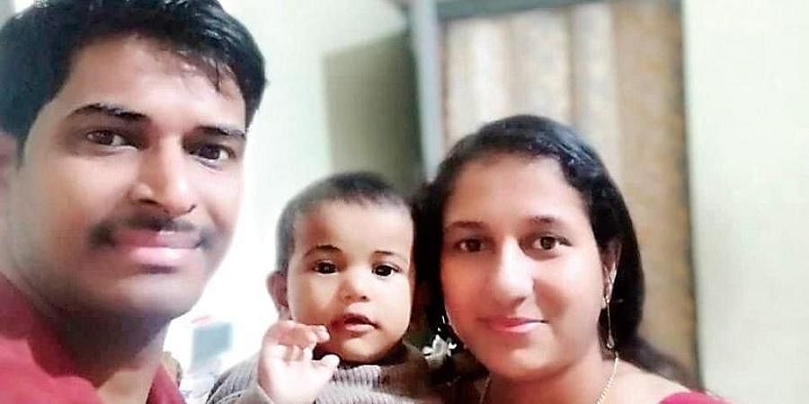 Jeevan Animoothil with wife Nitha Jeevan and daughter Josina Anna Jeevan