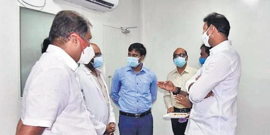 Government Chief Whip G Srikanth Reddy, MP YS Avinash Reddy and District Collector C Harikiran go round the ICU at RIMS in Kadapa on Thursday