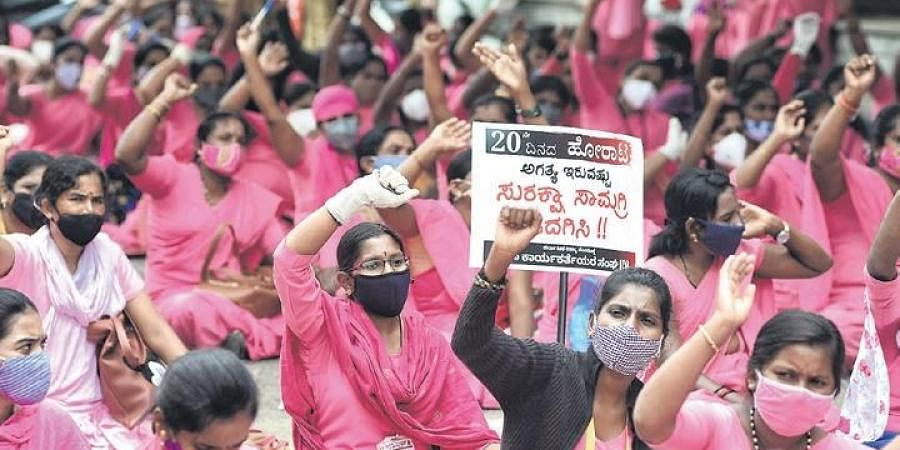 Analysing Workers' Protests Against The Backdrop Of Mrinal Sen's Chorus