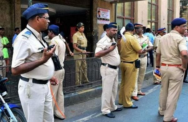 Mumbai 2-km radius rule: Cops allow travel 'closer to home'