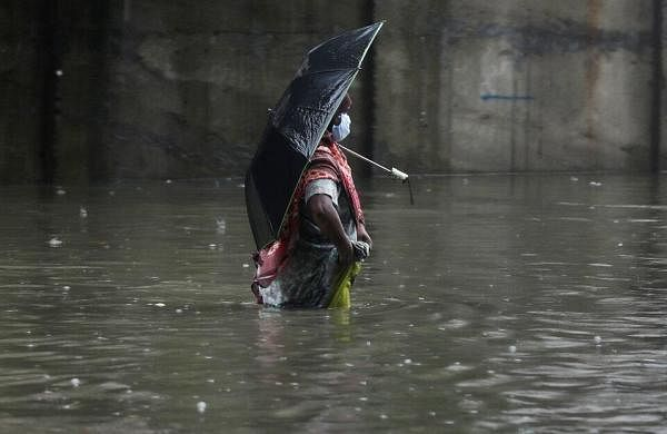 IMD issues red alert, extremely heavy rain likely in Mumbai