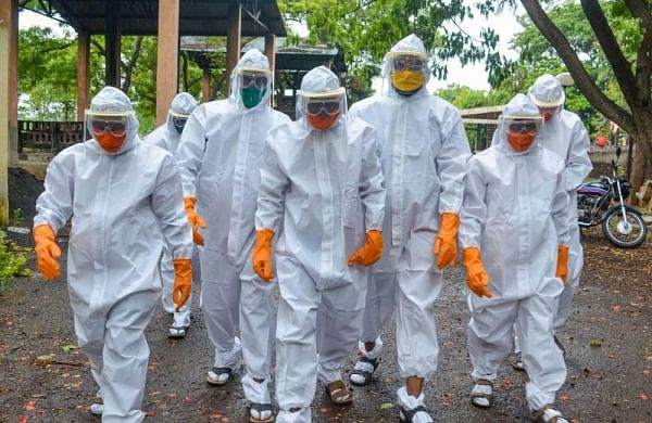 Jharkhand: Police lathicharge on crowd opposing cremation of coronavirus victim