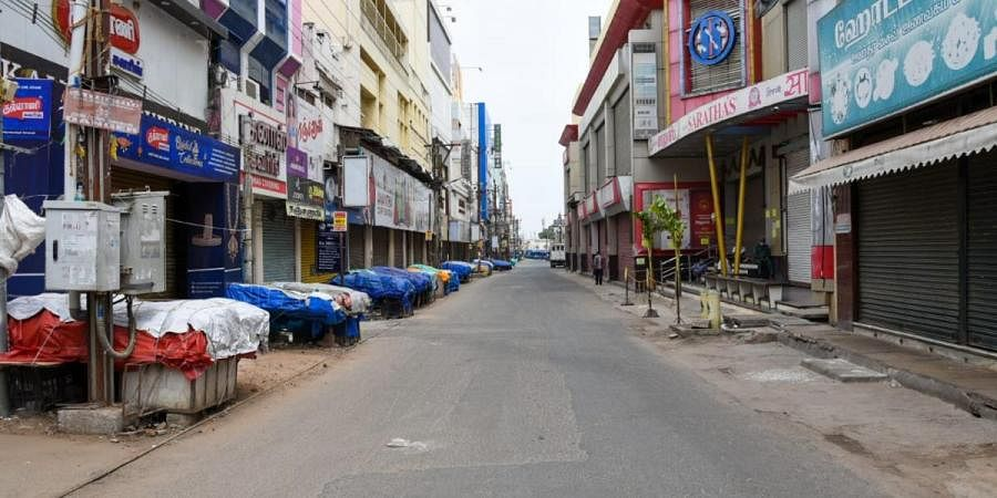 After a statewide weekly complete lockdown, Tiruchy's commercial hub of NSB Road wears deserted look on Sunday