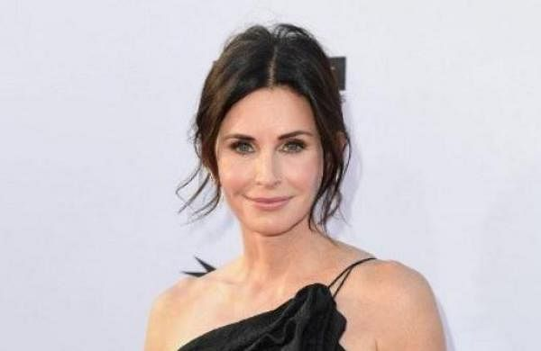 Gale Weathers: Courtney Cox to reprise her role in 'Scream' reboot thumbnail