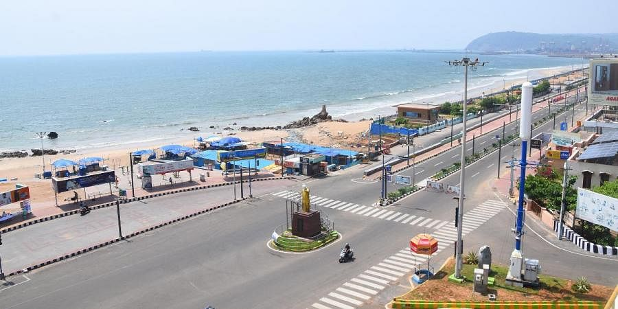 RK Beach wears a deserted look in view of 'Janta Curfew' in Visakhapatnam on Sunday
