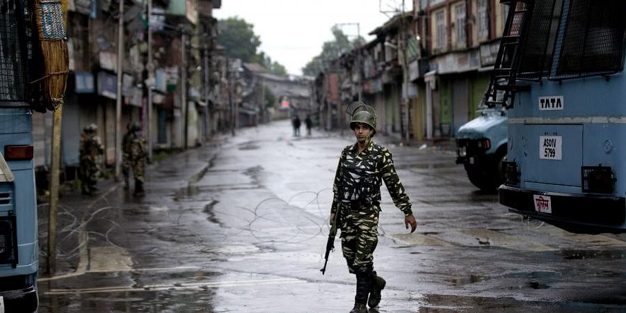 A paramilitary soldier on patrol in Jammu and Kashmir (File | AP)