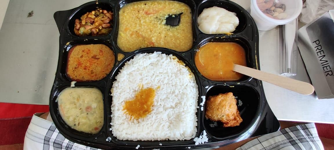 Hot Lunch - At 12:30 PM, A tasty and nutritious lunch keeps the spirits of patients high amid anxiety. (Photo | EPS/Shiba Prasad Sahu)