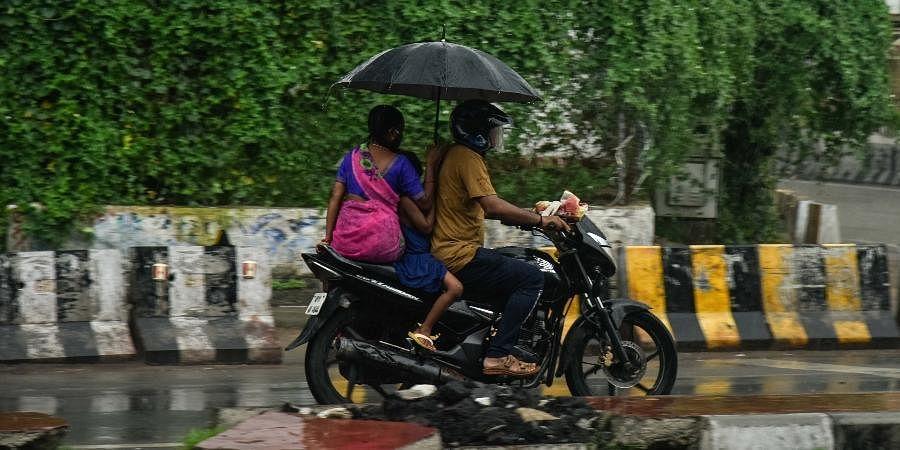 rain rains | EPS