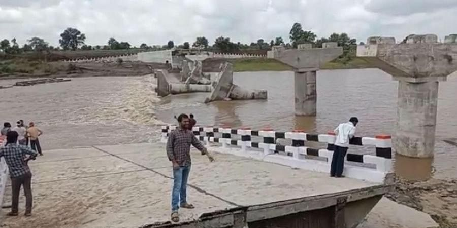 While one bridge built around a decade back connected Chhapara and Bhimgarh, the other bridge whose construction was completed just two months back connected Sonwara and Dhanora. (Photo | Express)