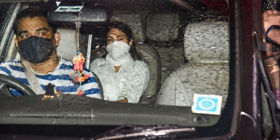 Bollywood actress Rhea Chakraborty leaves from DRDO Guest House at Santacruz East in Mumbai. (Photo | PTI)