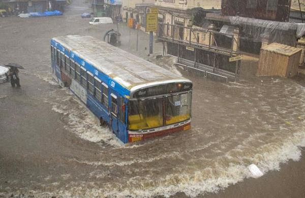 Rain intensity reduces, transport services resume in Mumbai