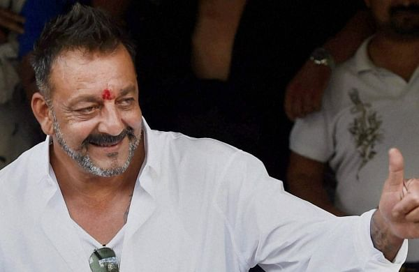 Sanjay Dutt discharged from hospital, returns home