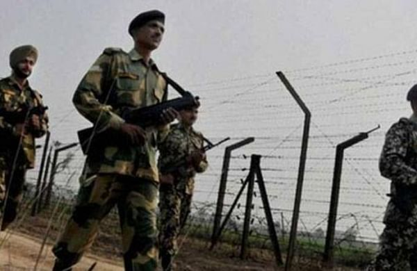 Large quantity of narcotics seized as BSF foils infiltration bid along IB in Jammu
