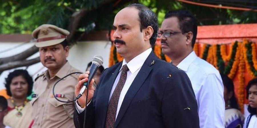 Senior IAS officer Hemant Sharma