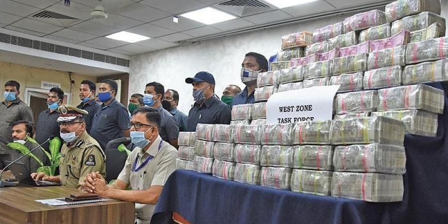 Hyderabad CP Anjani Kumar addressing the media after unaccounted cash worth `3.75 crore was seized from four persons in Hyderabad on Tuesday