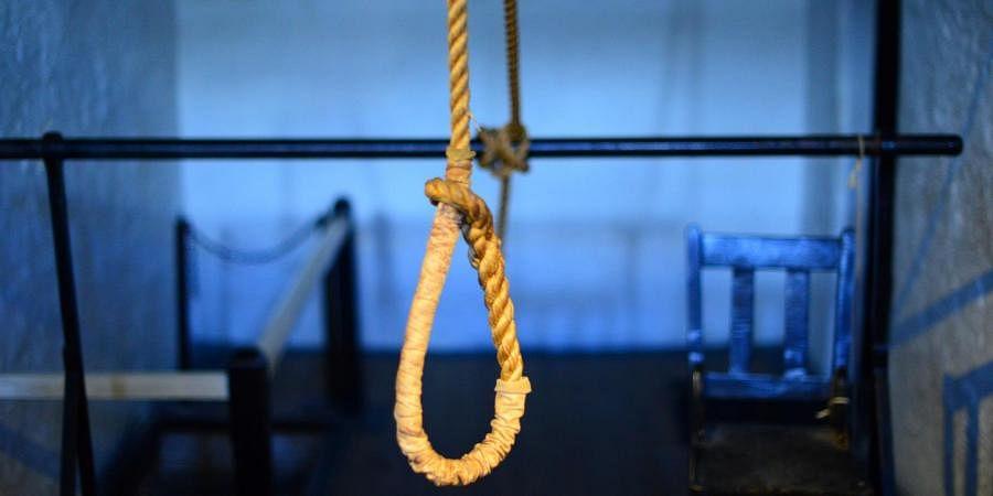 hangs, suicide, death