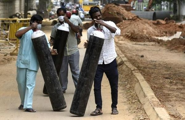 COVID-19: MHA asks states to ensure free movement of oxygen carrying vehicles