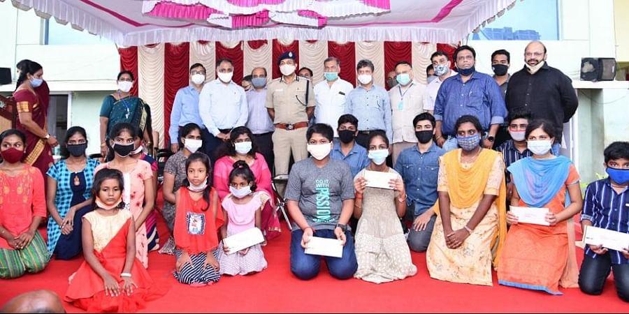 Chennai Police Commissioner Mahesh Kumar Aggarwal with the children